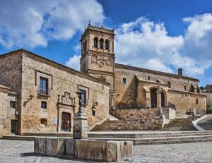 Plaza de Morón de Almazán