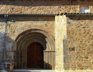 puerta iglesia peña agreda